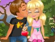 لعبة التقبيل على الشجرة